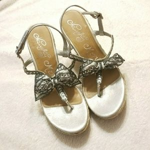 Adorable Silver Sparkly Wedges